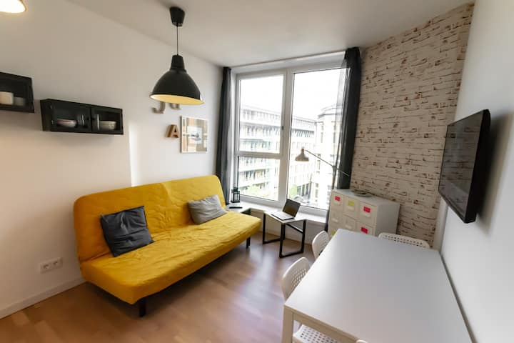 2 room Apartment - Center of Berlin -sights nearby