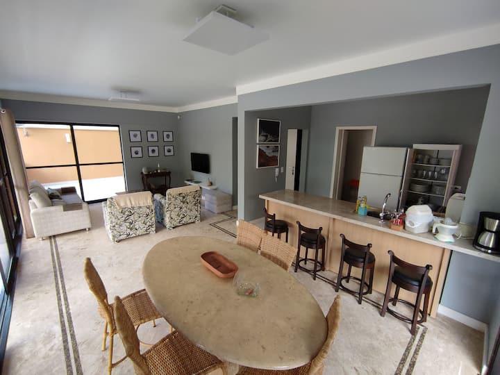 Incrível apartamento na Praia Mansa de Caiobá