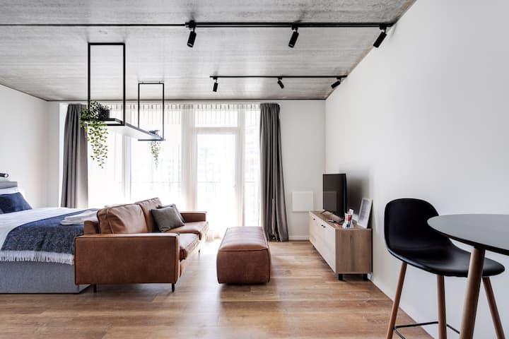 Ozo Park Apartments - Comfy & Modern Studio #413