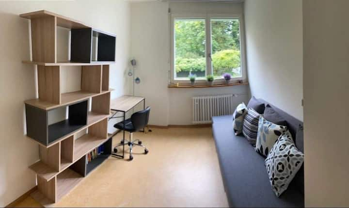 Cosy room with a garden view, 16min to Zürich bhf.