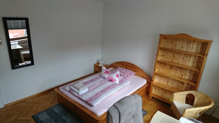 Quiet room in the centre of Emden 6.