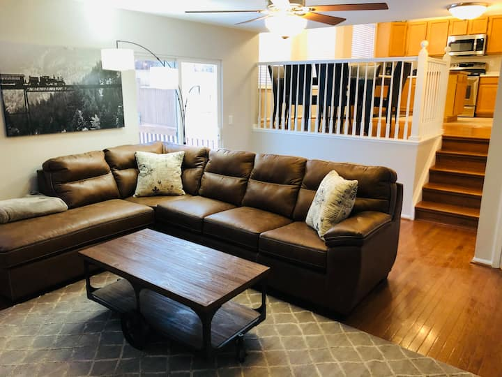 4bed/3bath 2 Masters with Baths and King beds