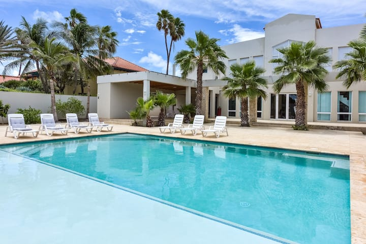 DIRECT OCEAN FRONT Villa w/Private Pool + VIEW!