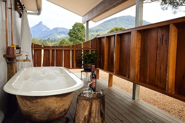 Luxury Romantic Getaways at Mt Warning Estate