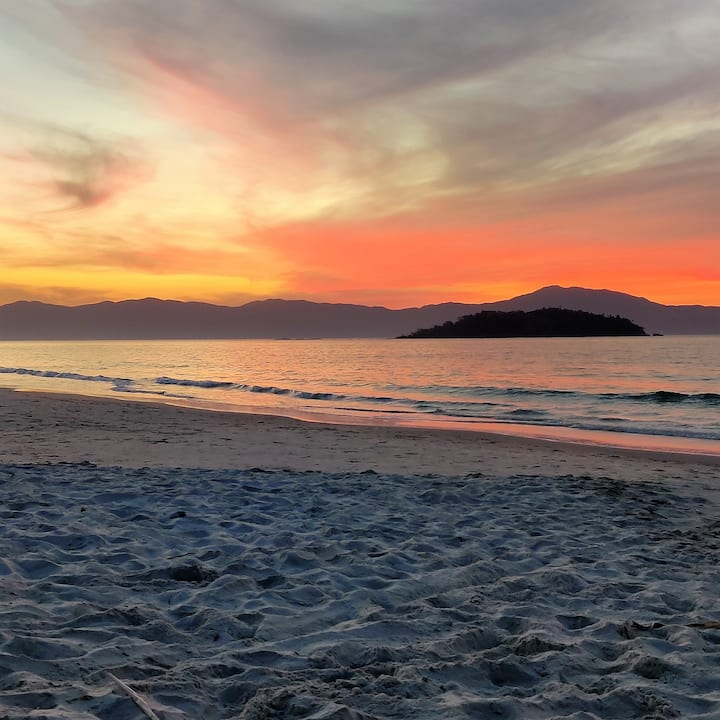 Lugar perfeito, bem na praia e centrinho