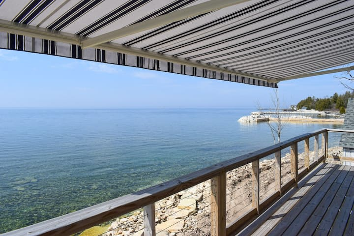 Bay Beach Rental- Water Front Cottage