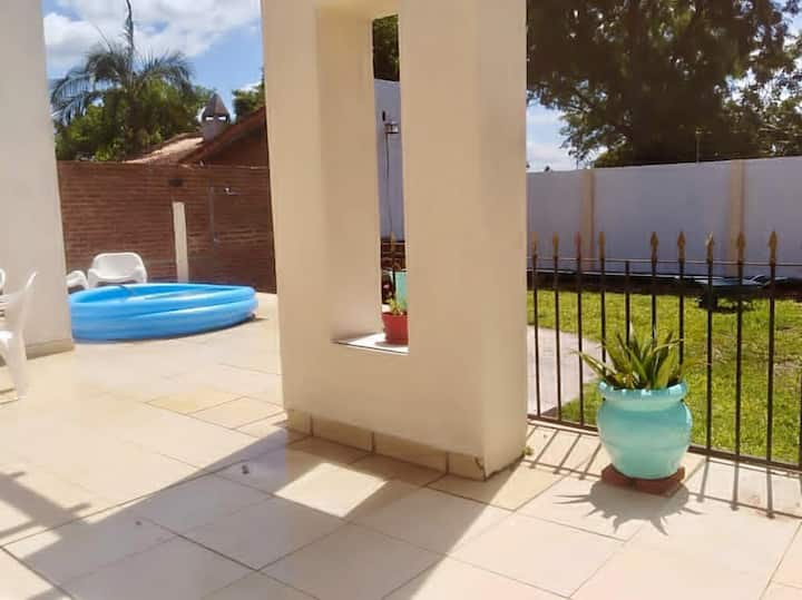 Hermoso departamento céntrico con patio