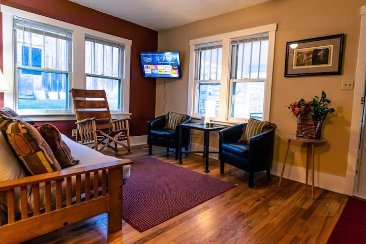 Deadwood's 1899 Inn: Cottage Suite East