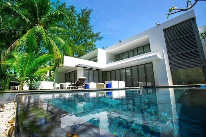 Sanctuary Ho Tram Premium 5-Bedroom Villa