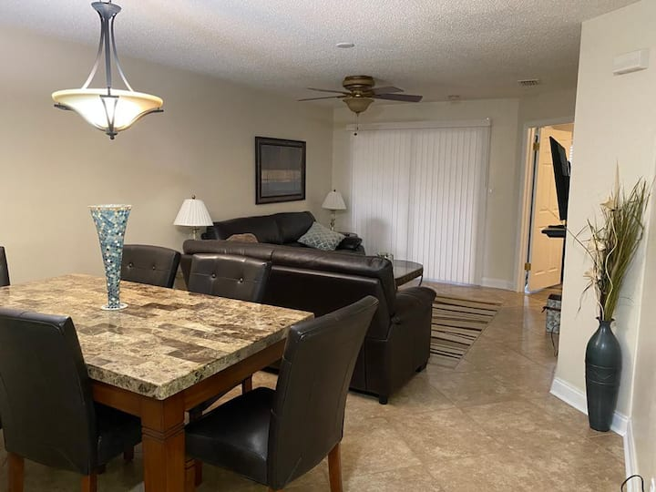 Lovely apartment in Kissimmee, Fits 8 people