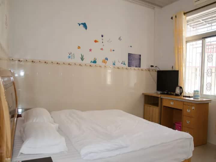 有家客栈【豪华大床房3】金湾机场、吉林大学、房源干净整洁、适合旅行游玩