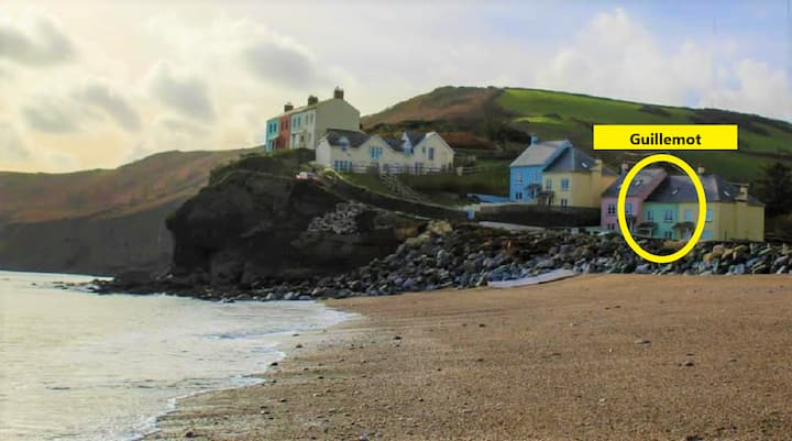 Beachside family house sleeps 8 pet friendly