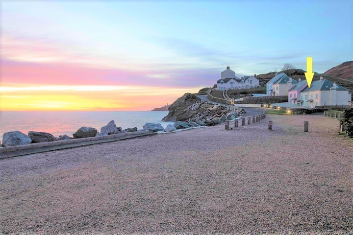 NEW: Beachside family house sleeps 8 dog friendly
