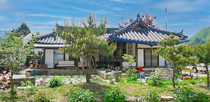 충주 100년된 한옥 고택에서 불멍하기 딱 좋은 농촌숙박