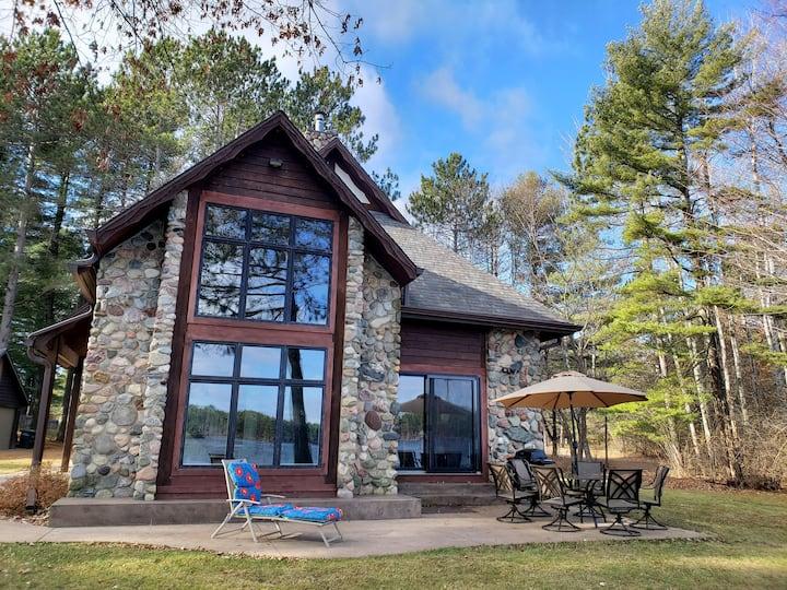 Perfect Northwoods Lakehouse Retreat