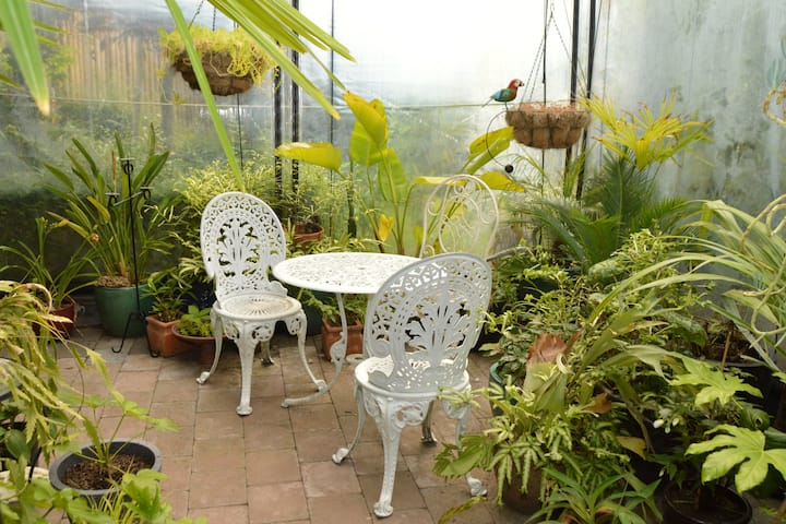 Green Fingers Retreat, with free Wifi