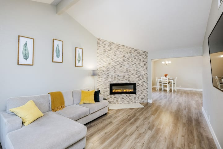 Charming Scandinavian Modern House with Patio