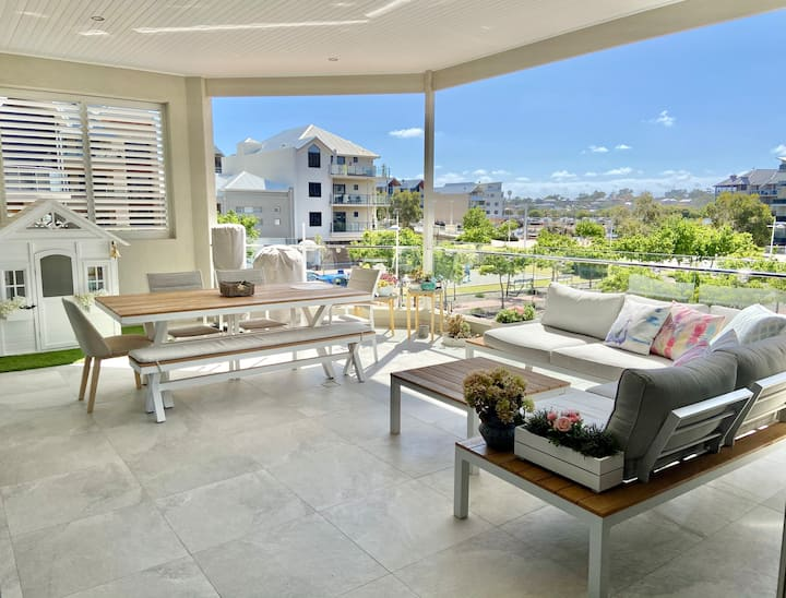 Modern family apartment in the heart of Marina