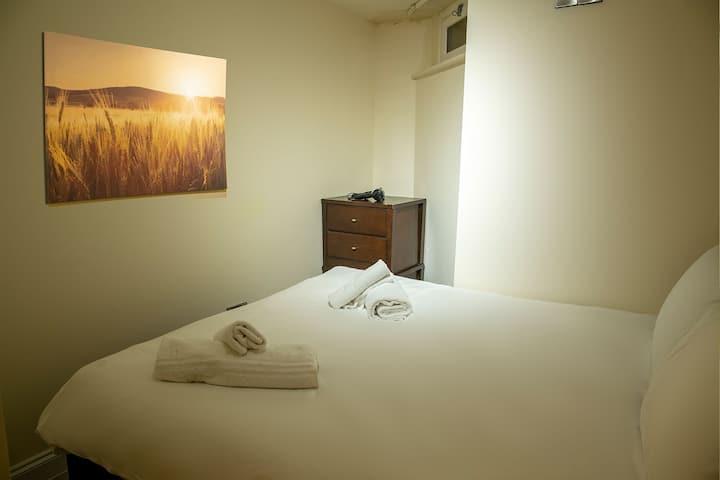 Double Bed• Sauna Jacuzzi• Spa Suite• Free Wi-Fi