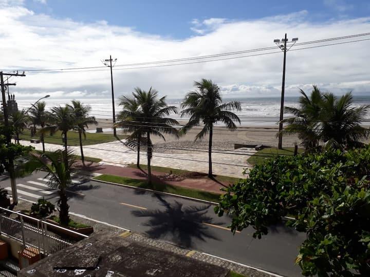 Apartamento Grande pé na areia Praia Grande