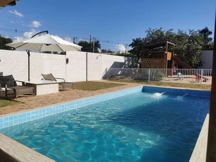 Wohnung, Pool, Spielplatz, Dachterrasse, Grill