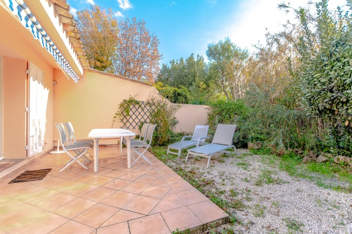 Little house with terrace -Saint-Tropez