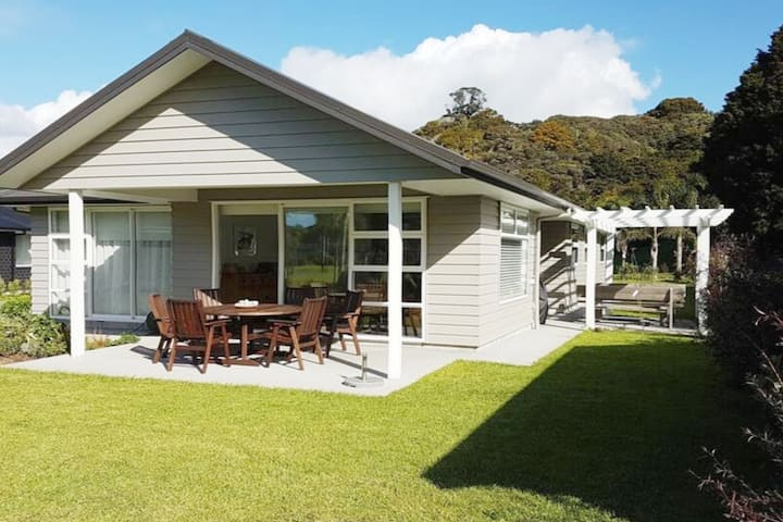 Matapouri luxury - sleeps 8