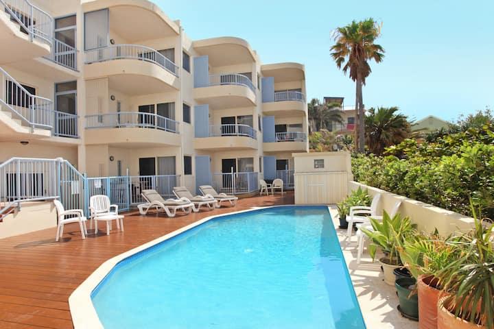 AURORA @ Baywatch Surf - Beachfront 1 Bedroom Unit