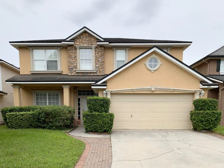 "Paradise in Jacksonville 75"" 4K TV Luxury Home"