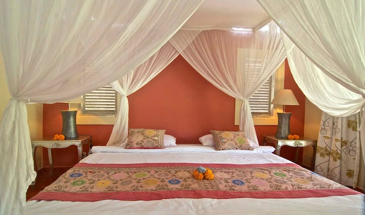 Laksmi colonial room Darmada Eco Resort.