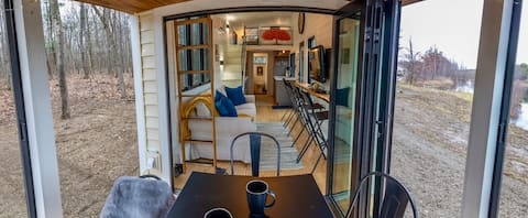 HGTV Tiny Home☀️2 hrs NYC🌲Quiet Oasis⚡️WIFI✨Clean
