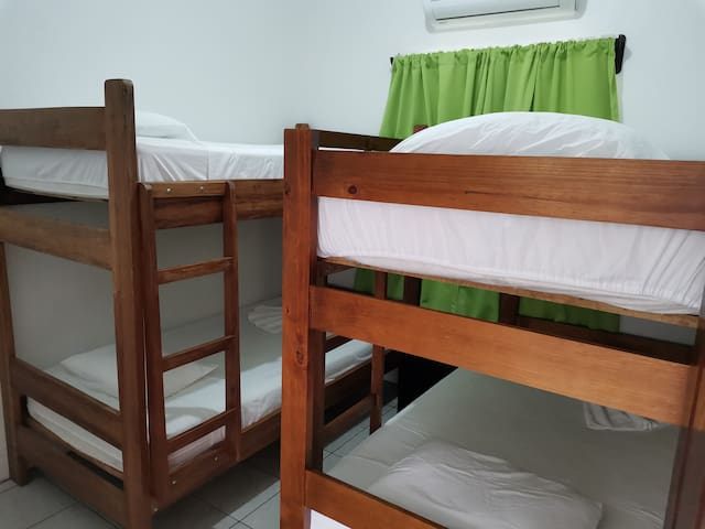 Second bedroom with 2 bunk beds up to 4 people