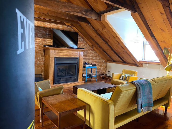 Unique Loft in Historic Downtown Portsmouth