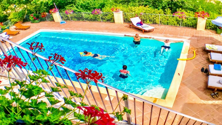 SPOLETO SPLASH/SLEEPS 18/24/EXC POOL/7 KMS SPOLETO