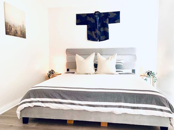 NEW Japanese STUDIO w KING bed and POOL near BEACH