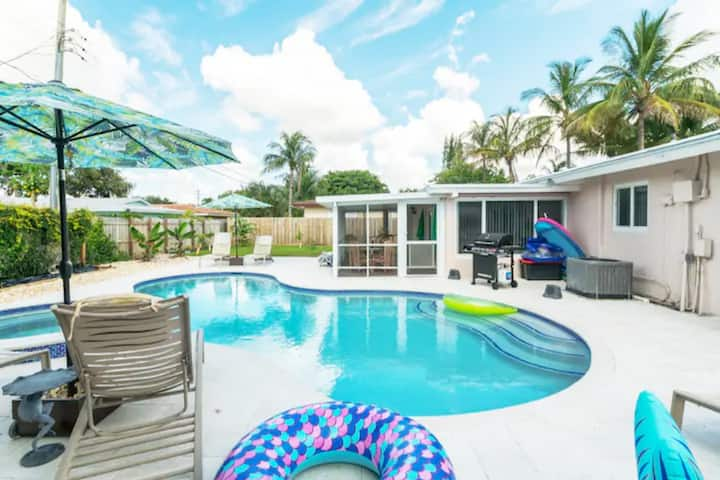 Luxe Beach Getaway Just Steps to The Intercoastal!