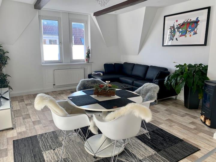 Gemütliche & modern eingerichtete Wohnung in S-Süd