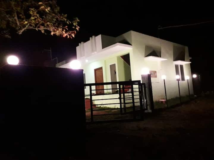 Amaanath Cottage - A Kodai Home with Mountain View