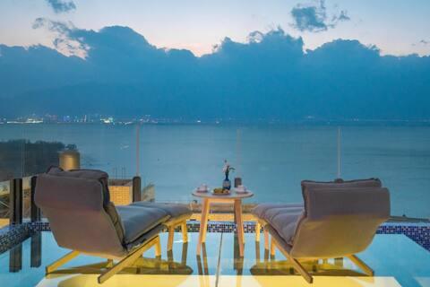 大理海景别墅【入住免费接机】-带浴缸含早餐大床房;楼顶网红观景平台,我们与你共赏洱海月