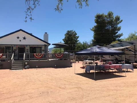 Lake House Cabin - 3 1/2 miles from Roosevelt Lake