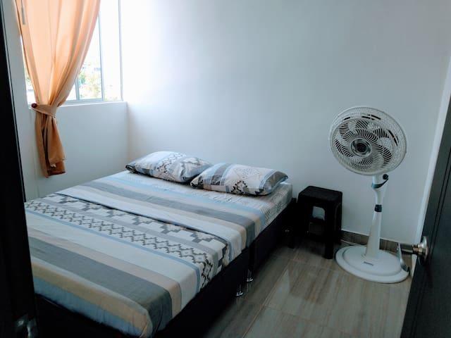 Habitación principal cama 1.40mt