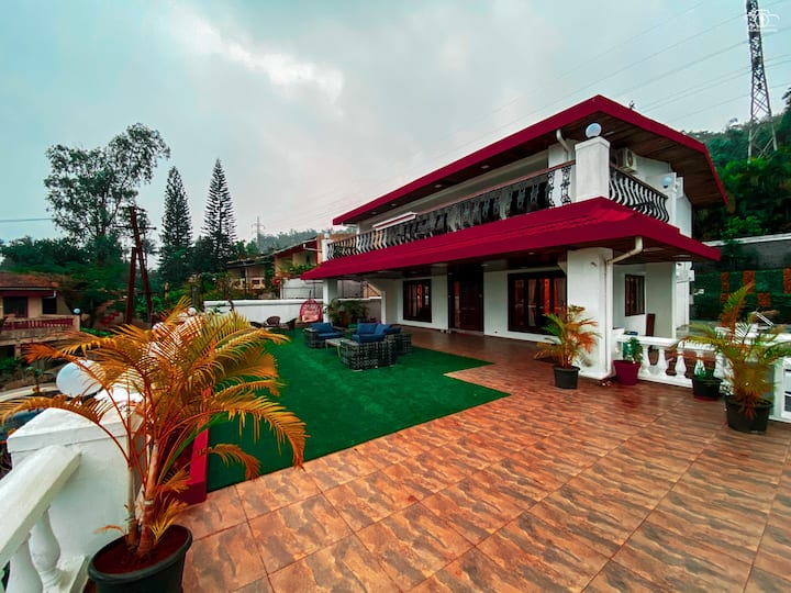 Luxurious 4BHK Villa - Private Pool &  Open Spaces