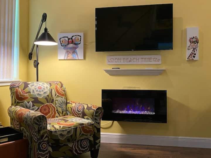 The Heron: Cozy private loft in Gulfport, FL
