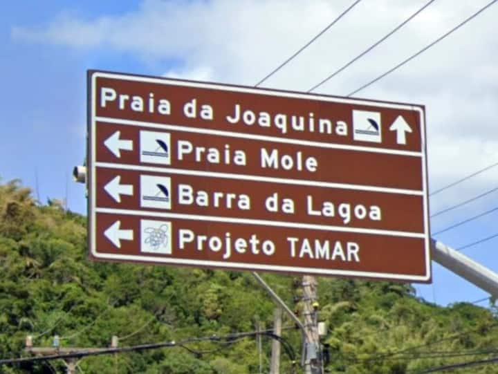 Apartamento entre as praias da Joaquina e Mole