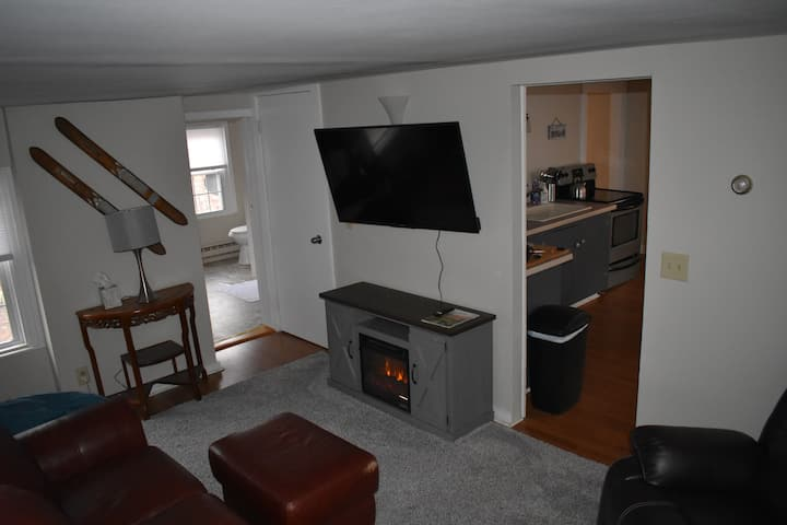 5 bd, 1 Bth, Prime Location: All Season Rental, Unit 1