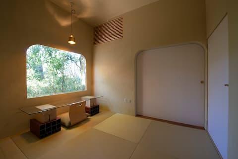 東京・深大寺にある一人の時間をゆっくり過ごす宿 COMORI(コモリ) ※温泉のチケット付き