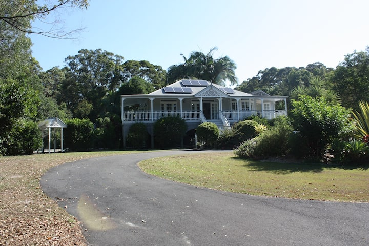 Beautiful Queenslander, 2 Bed, Set in rainforest.