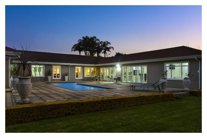 Cozy Africa Suite @ 66 On Monzali Hilton Kzn