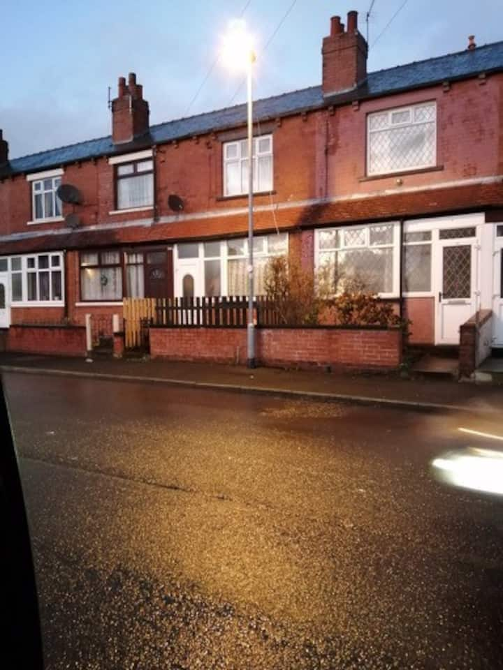 Entire House. Beeston. Elland Road 0.08miles