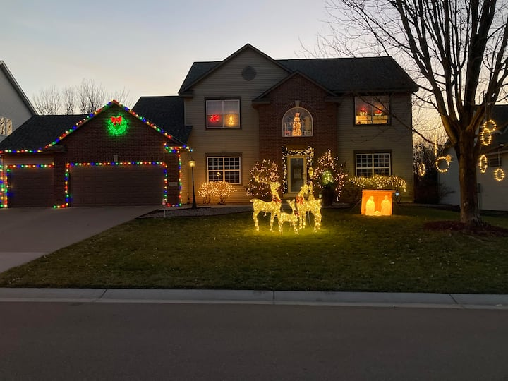 Executive Christmas Property In Woodbury, MN